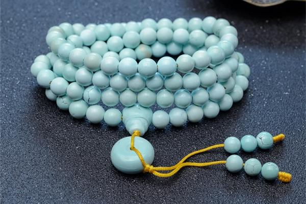 """天然珠宝的奇妙,绿松石会""""长""""白点?"""