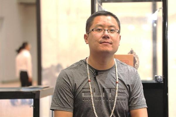 名家专访|玉雕大师侯富博:平面雕刻到立体玉雕的转换