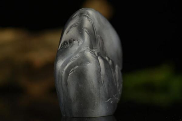 和田玉青花籽料——玉中的水墨山水
