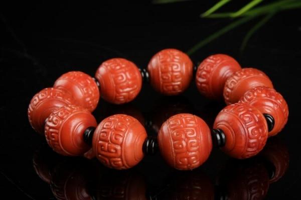 凉山南红手串欣赏,凉山南红有哪些特点?