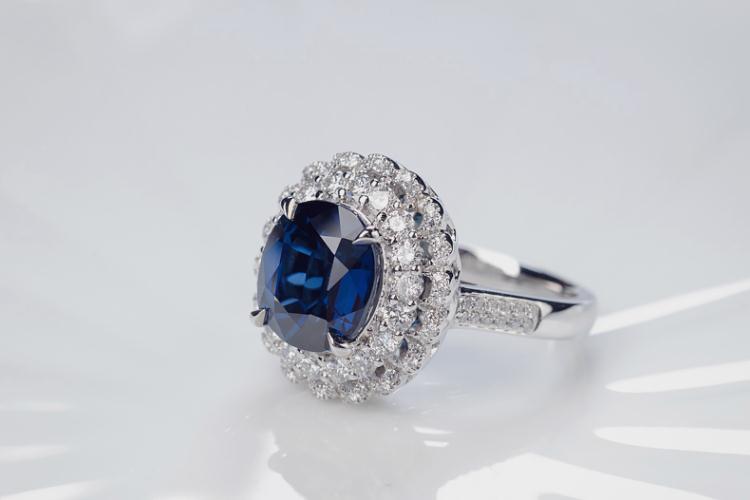 彩色蓝宝石的寓意是什么?彩色蓝宝石图集赏析(1)