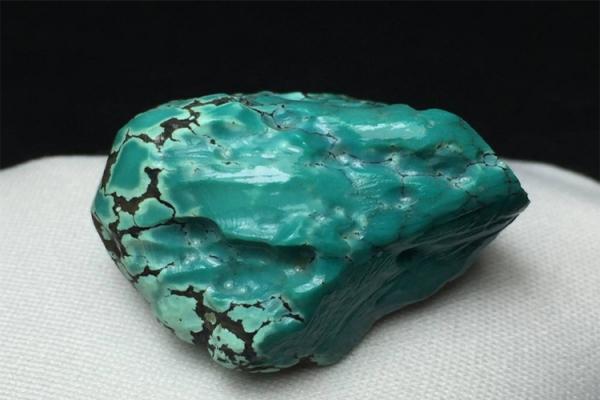绿松石原石的选购有风险吗?绿松石原石选购注意事项