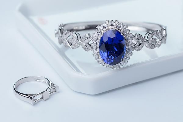 坦桑蓝宝石价格是多少?影响坦桑蓝宝石价格因素有哪些 ?