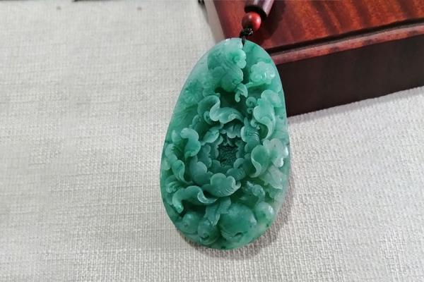 南阳玉是什么玉石,南阳玉有哪些品种?