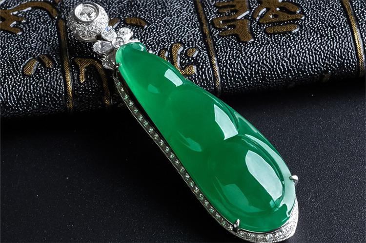 帝王绿翡翠-玉雕名家