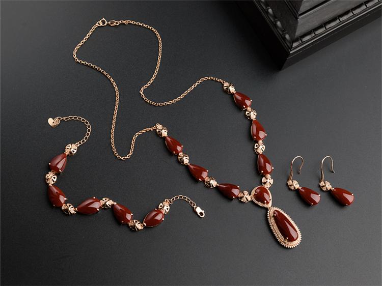 红珊瑚手链-玉雕名家