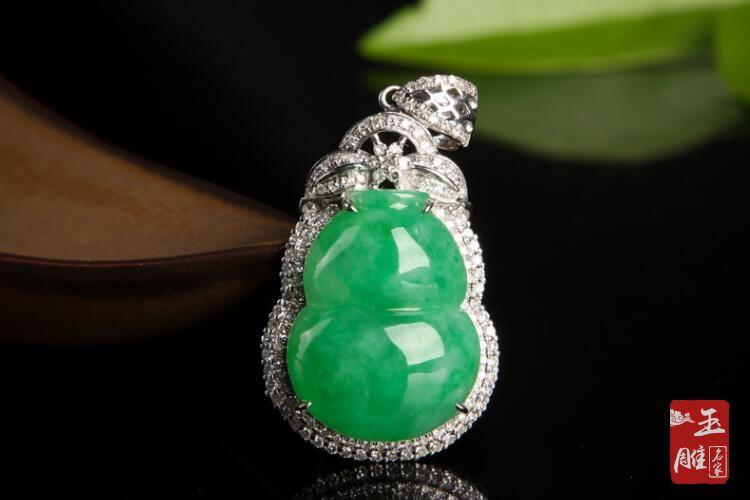 阳绿翡翠-玉雕名家