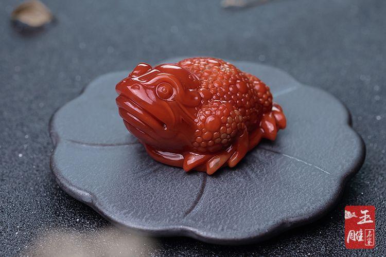 三足蟾蜍的寓意-玉雕名家