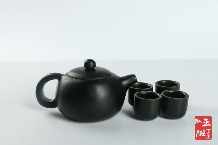 青玉茶壶-玉雕名家